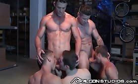 Muscular Hunk Gets His Ass Stretched In Big Gangbang Orgy