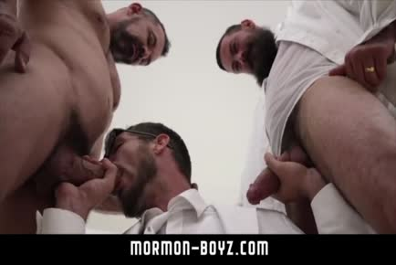 Double penetration daddy threesome MORMON-BOYZ.COM