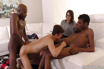 Wife loves seeing husband get slammed by 4 enormous cock ebony dudes