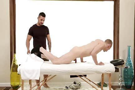 Erotic Massage Convinced Hunk To Give Up His Ass