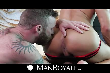 Derek Parker kissing butt of hot muscle jock