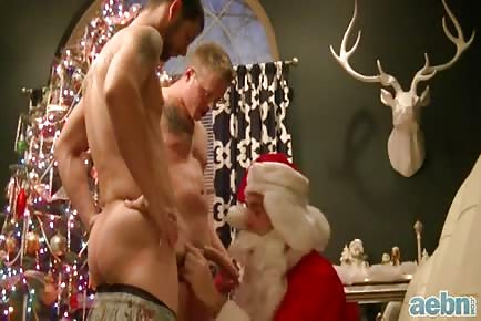 Gay Santa raw Christmas fuck