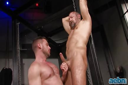 older hung daddy Mack Manus and younger hunk Hans Berlin enjoy gay sex