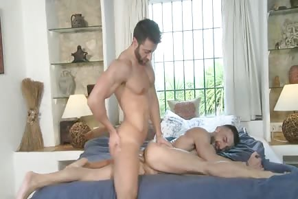 pretty hot fit lover does split on bed and gets butt nailed