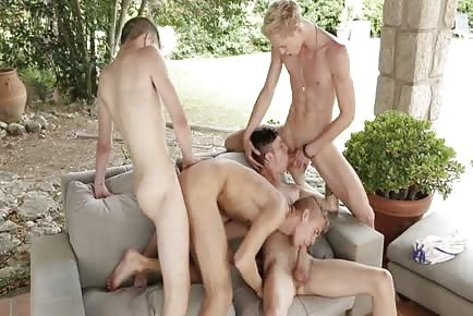 yellow-haired Hung Twinks Enjoy A Sunny Outdoor bare Orgy