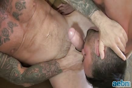 Mammoth cock Filling bare Hole HD