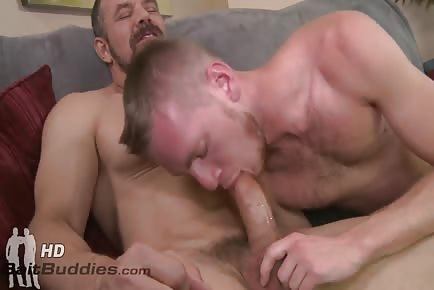 hunky daddy Max Sargent Cums In Young Twink's Mouth