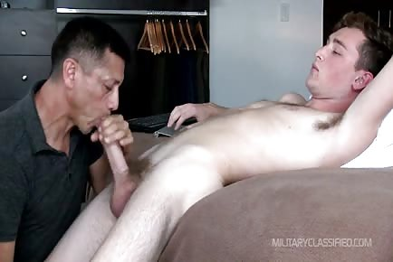Mature daddy blowing cock of hetero boy for first time